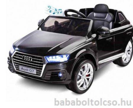 Audi Q7 elektromos kisautó fekete